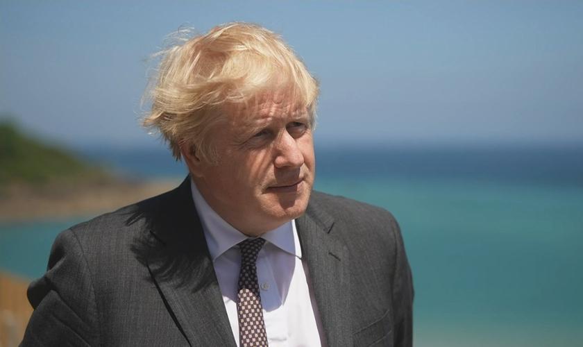 Primeiro-ministro do Reino Unido cita Bíblia em entrevista. (Foto: ITV)