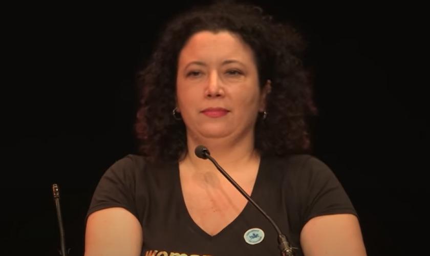 Maya Forstater venceu recurso na justiça que a mantinha sem emprego. (Foto: Reprodução / YouTube)