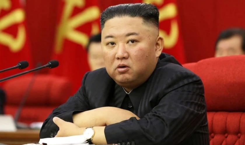 O reconhecimento do ditador Kim Jong-un, de que há fome no país, demonstra a gravidade da situação na Coreia do Norte. (Foto: KCNA via KNS/AFP Getty Images)