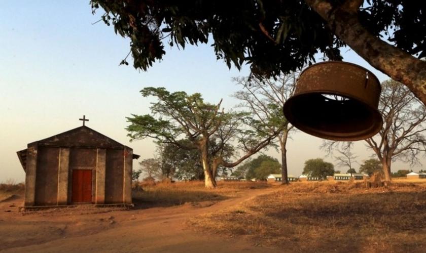 Igrejinha localizada ao norte da capital de Uganda, Kampala, em 14 de fevereiro de 2015. (Foto: Reuters/James Akena)
