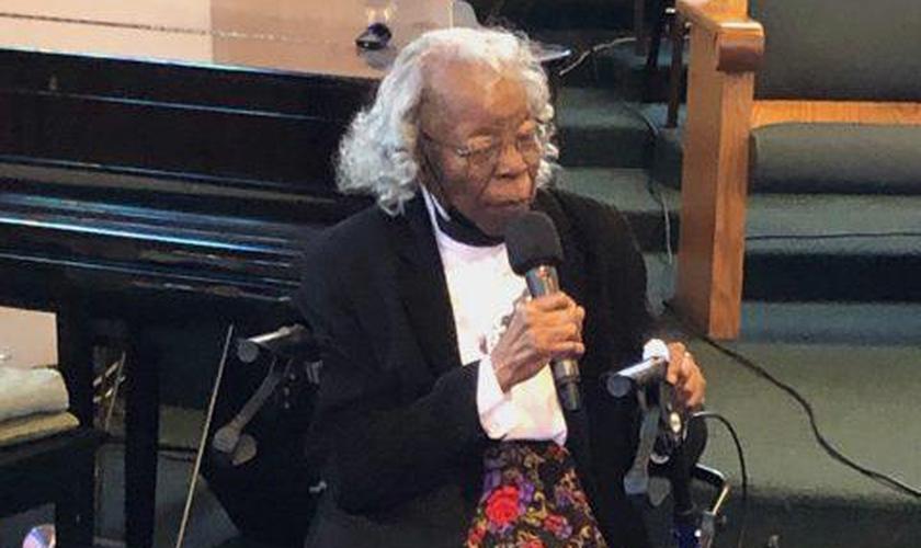 Margie Armstead foi batizada aos 93 anos de idade na Califórnia. (Foto: Southern California Conference)