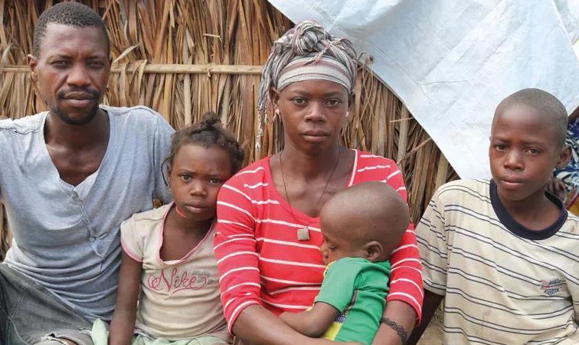 Crianças de apenas 11 e 12 anos estão sendo decapitadas durante a insurgência islâmica em Moçambique. (Foto: The Christian Post).