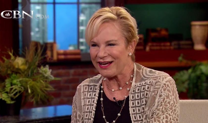 Heidi Baker, missionária e CEO da Iris Global. (Foto: Reprodução / CBN News)