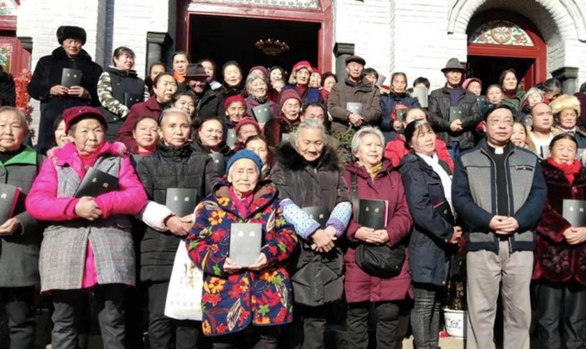 A China enfrenta uma grande escassez de pastores com um líder estimado para cada 6.700 cristãos. (Foto: Sociedade Bíblica Internacional).