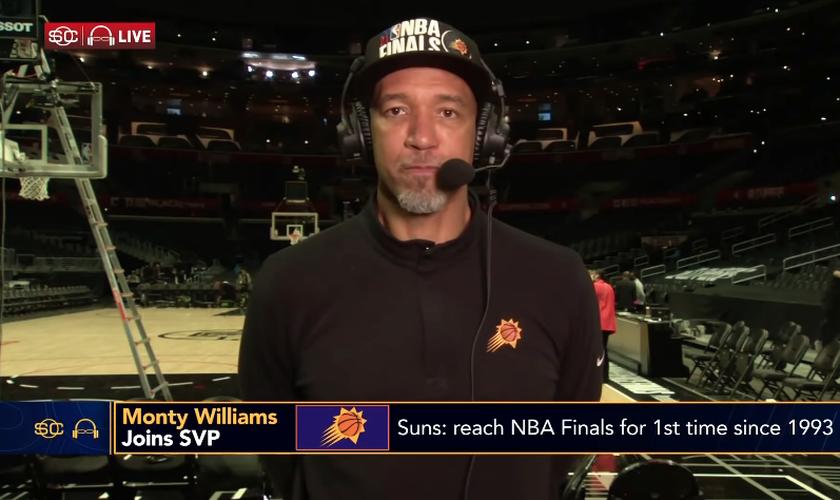 O técnico do Phoenix Suns, Monty Williams, durante entrevista à ESPN. (Foto: Reprodução/NBA on ESPN)