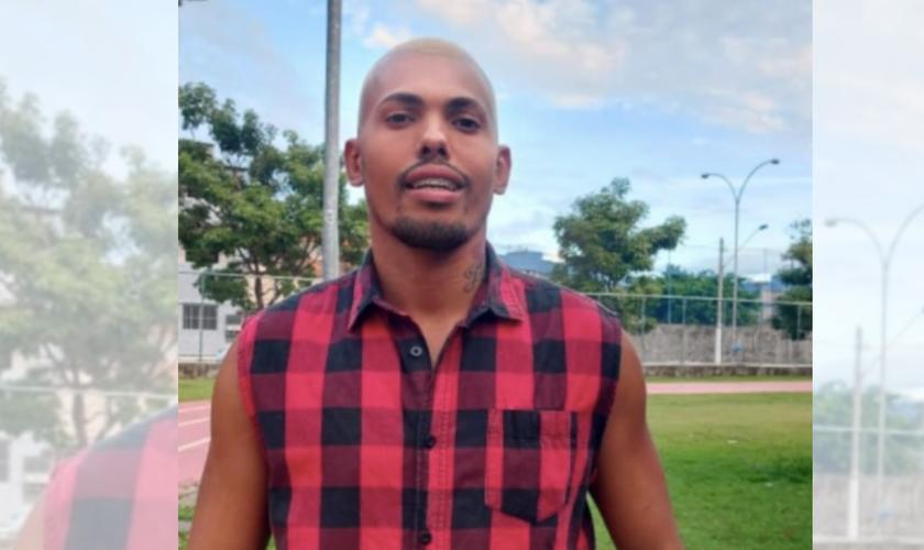 Renan Dias de Oliveira, que encontrou o envelope com R$ 500. (Foto: Reprodução / Instagram)