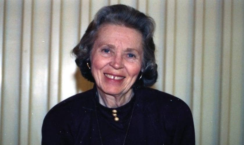 A missionária e escritora Elisabeth Elliot. (Foto: Reprodução / GODTV)