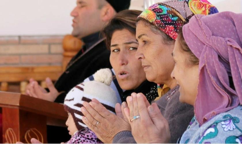 Cristãos e jornalistas são prejudicados com pressão à liberdade de religião e de expressão, por parte do governo. (Foto: Portas Abertas)