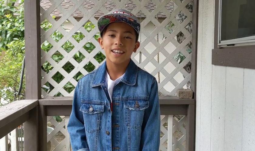 Noah Life é aluno da 8ª série, em homeschooling, nos EUA, e foi descoberto pelo teólogo Sean McDowell. (Foto: Facebook/God Reports).