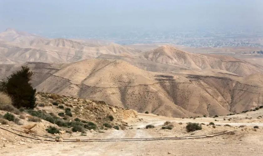 Vista do deserto da Judeia. (Foto: Marc Israel Sellem)