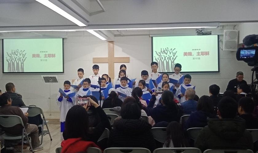 O novo método de perseguição da China foca nos filhos de famílias cristãs. (Foto: The New York Times).