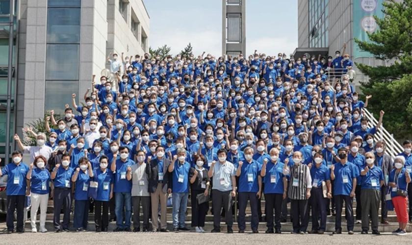 Participantes da convocação da Korean World Missionary Fellowship, na Handong Global University em julho de 2021. (Foto: HGU)