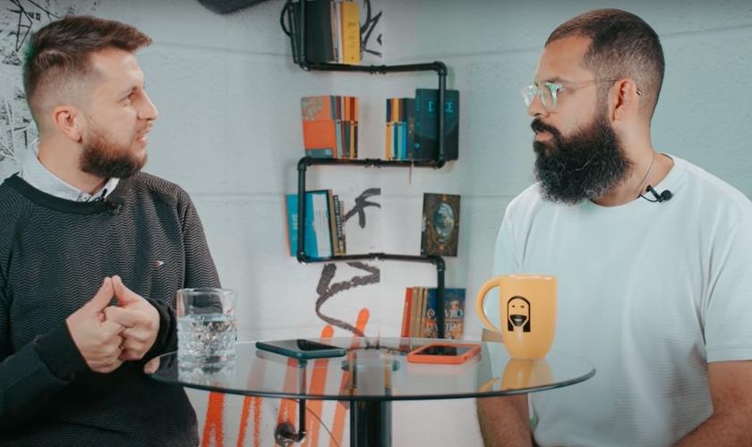 Dr. Jonatas Leonio, em entrevista ao Douglas Gonçalves. (Foto: Reprodução/YouTube JesusCopy)