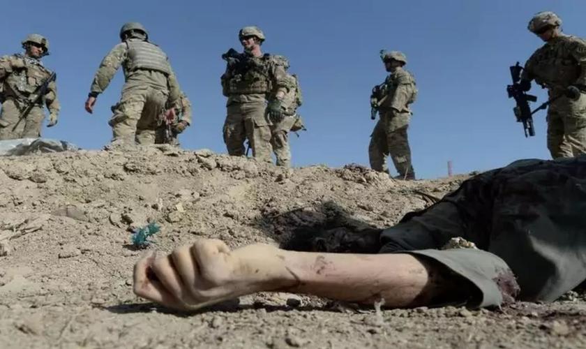 Guerra do Afeganistão levou à morte de milhares de pessoas. (Foto: Shah Marai/AFP)
