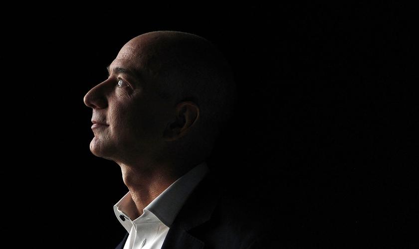 Jeff Bezos, ex-CEO da Amazon e homem mais rico do mundo. (Foto: Patrick Fallon/Bloomberg via Getty Images)