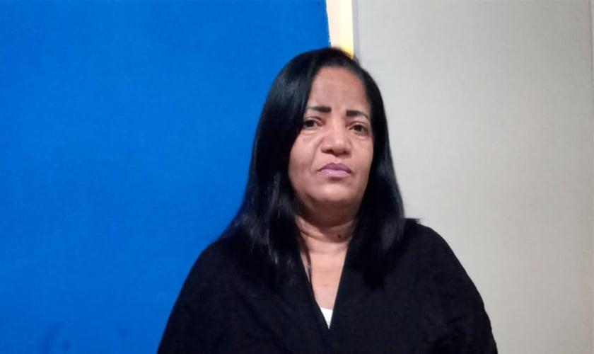 Kátia da Silva foi curada da dengue hemorrágica, uma doença com grave risco à vida. (Foto: Site Mulher Cristã).