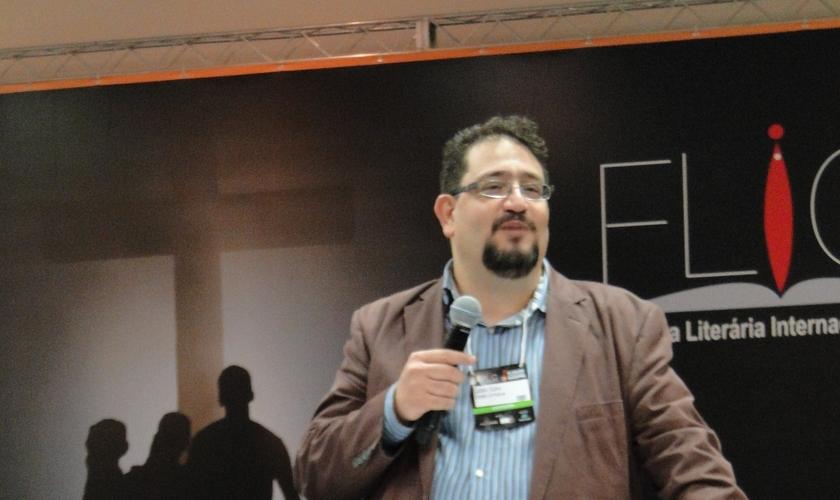 Luciano Subirá na 3ª edição da Feira Literária Internacional Cristã. (Foto: Guiame)