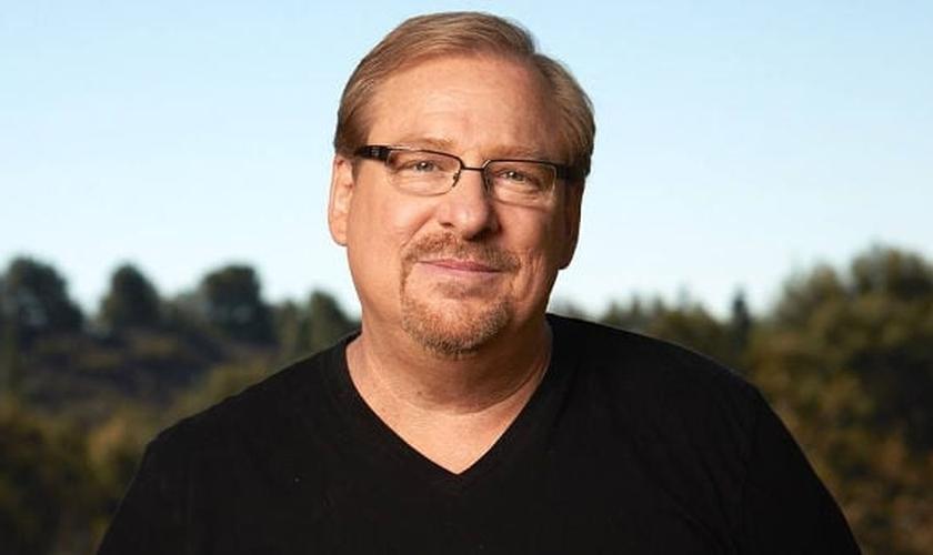 """Pela maioria, Rick Warren é citado como """"o pastor mais conhecido na América"""". (Foto: Charisma News)"""