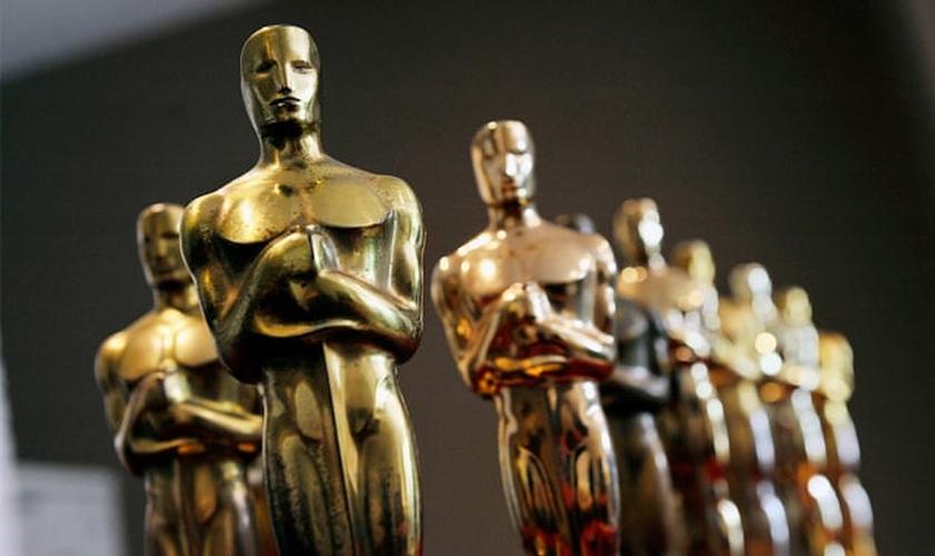 Imagem Ilustrativa: Estatuetas do Oscar, a premiação mais importante da indústria cinematográfica.