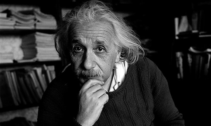 Einsten (1879 - 1955) nasceu em uma família alemã e tornou-se um dos mais famosos cientistas da história. (Foto: Reprodução)