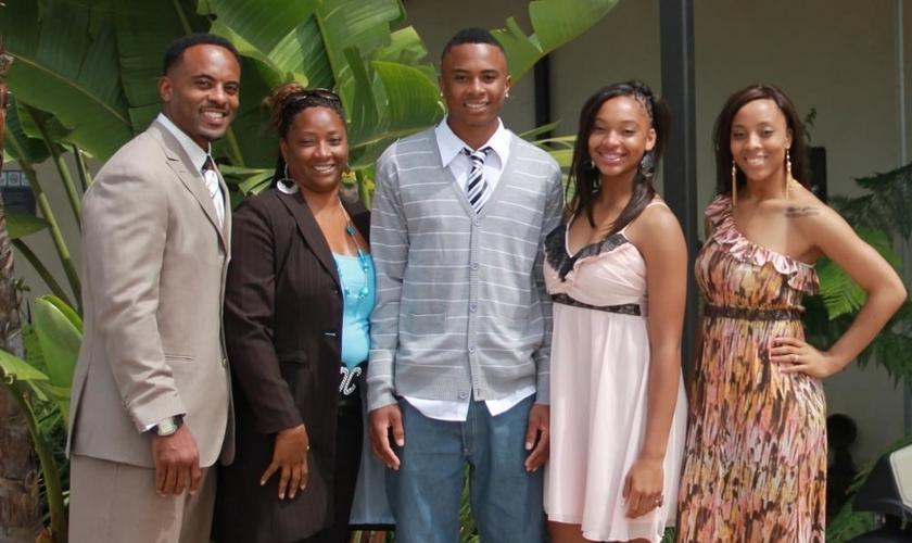 """Darren Carrington é pastor de famílias na """"Rock Church"""", em San Diego, Califórnia (EUA)"""