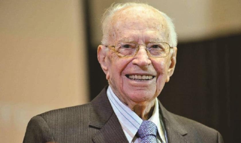 Pr. Enéas Tognini é fundador da Igreja Batista do Povo, da Convenção Batista Nacional e foi um dos líderes do avivamento espiritual no Brasil, em 1960, que marcou a história da igreja evangélica brasileira