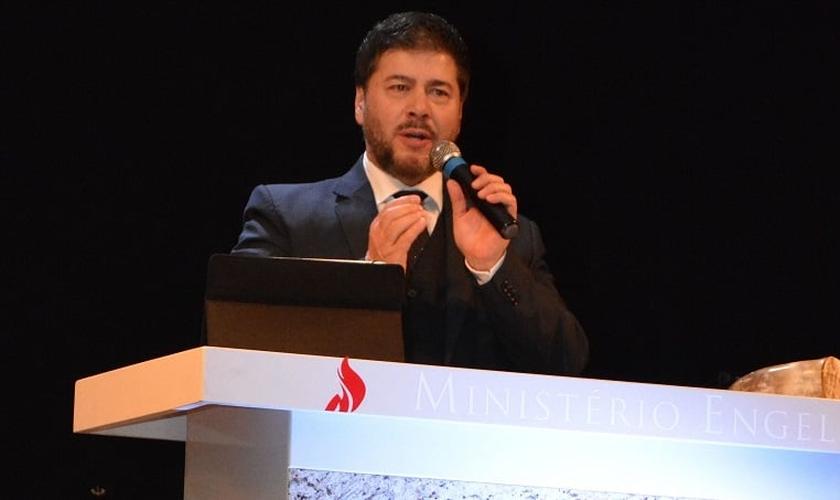Joel Engel é o líder do Ministério Engel, no RS e idealizador da Rota do Fogo