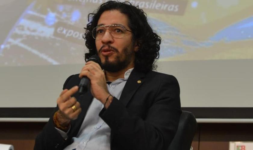 Jean Wyllys é deputado federal pelo PSOL (RJ) e representante do movimento LGBTT no Brasil.