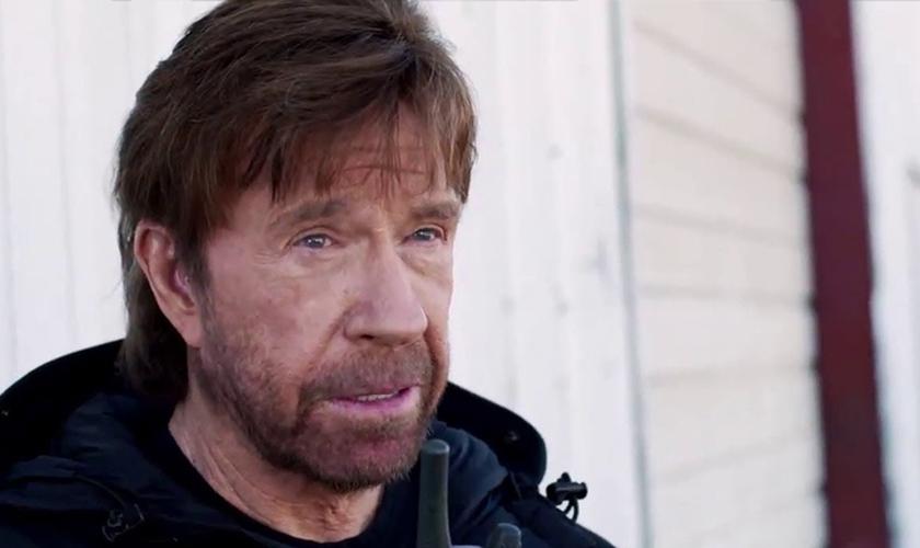 Chuck Norris é cristão e professa a fé protestante desde que se converteu ao evangelho (já adulto), durante uma das cruzadas evangelísticas de Billy Graham