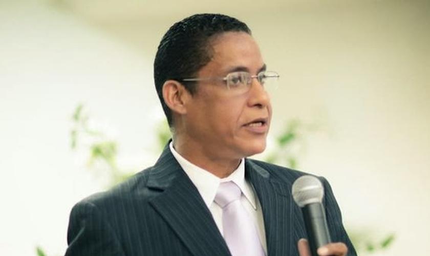 Pastor Joide Miranda tem compartilha seu testemunho em audiência pública, na Câmara dos Deputados (Foto: Facebook)