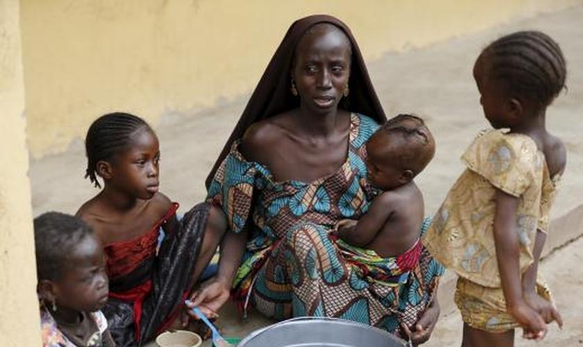 Uma das mulheres resgatadas do cativeiro do Boko Haram.