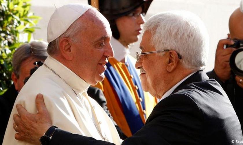"""Em um tratado finalizado nesta quarta-feira (13), o Vaticano reconheceu oficialmente o """"Estado da Palestina""""."""