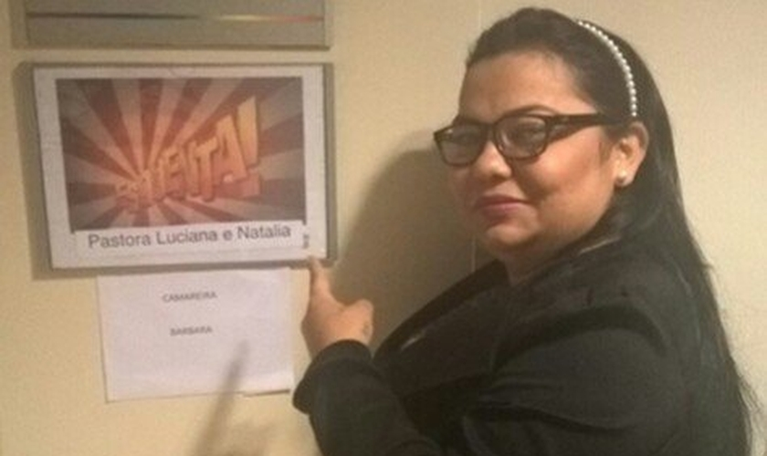 Pastora Luciana no camarim do Esquenta.
