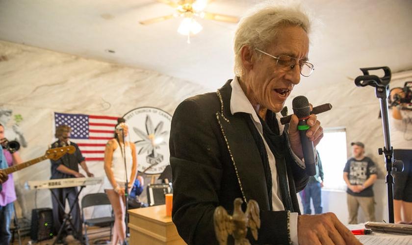 O músico Bill Levin é o fundador da Igreja da Maconha. (Reprodução/ The New York Times)