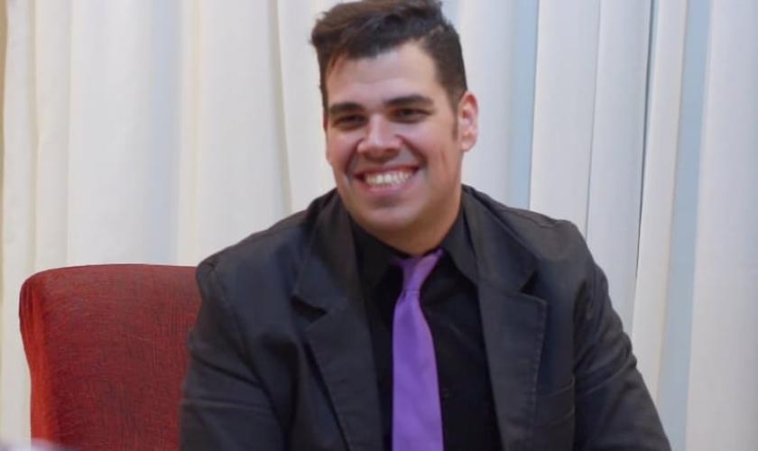 Paxtorzão, personagem de Daniel Araújo que ficou conhecido nos vídeos de humor do Youtube.