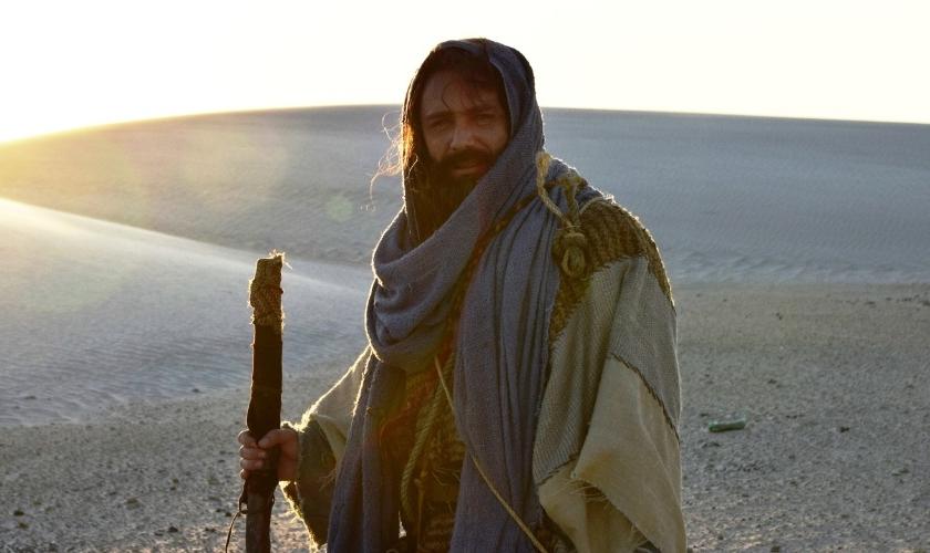 """Petrônio Gontijo tem interpretado o papel de Arão (irmão de Moisés) na novela """"Os Dez Mandamentos"""""""
