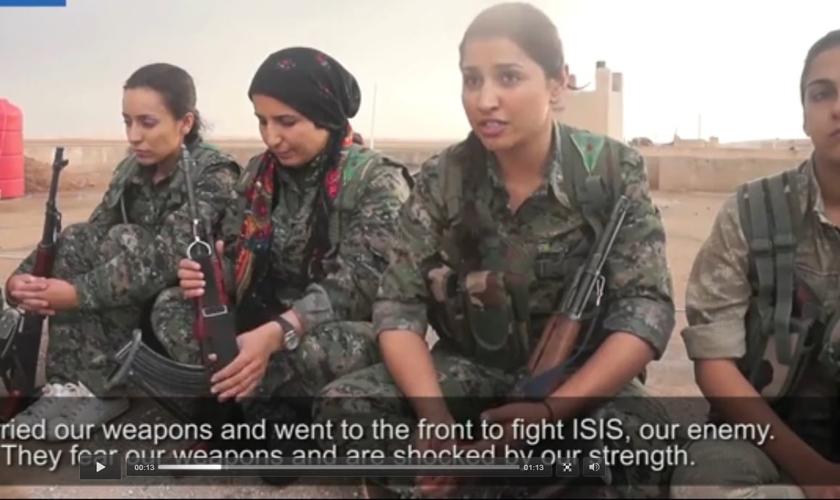 Mulheres Guerreiras árabes falam sobre batalhas que venceram contra o Estado Islâmico (Imagem: Mail Online / reprodução)