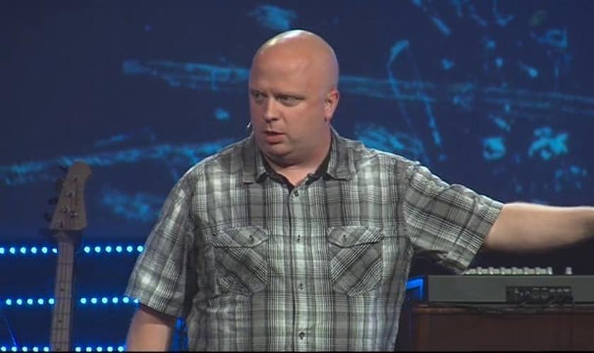 Atualmente, Caleb Kaltenbach é pastor na Discovery Church, em Simi Valley, California (EUA)