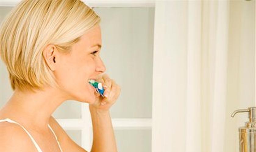 Escovação mal sucedida é a principal causa de gengivite em gestantes