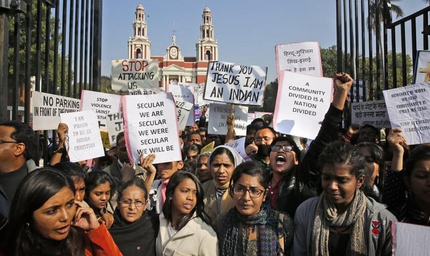 Cristãos protestam contra a perseguição religiosa na Índia (Foto: Getty)