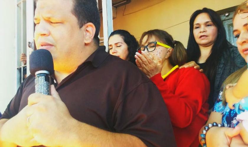 """""""Chiquinha"""" prometeu a um pastor paraguaio falar sobre Jesus em todas as oportunidades. (Foto: Mundo Cristiano)"""