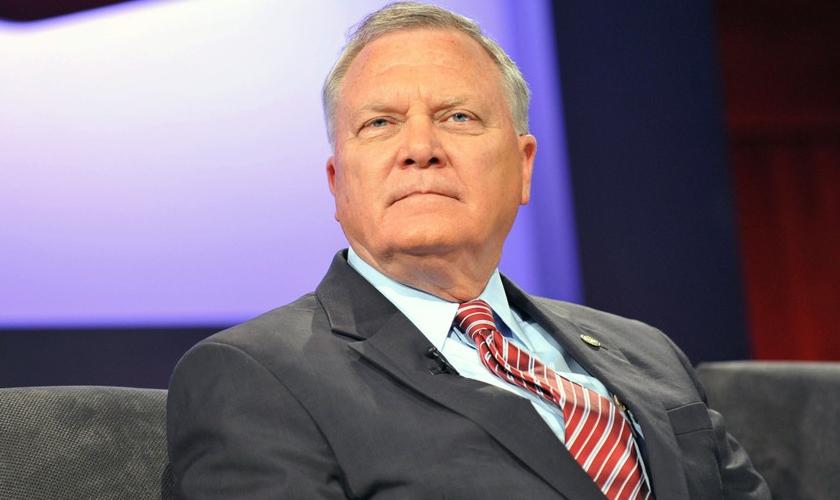 """Nathan Deal, governador do estado norte-americano da Geórgia, irá vetar o projeto de lei de """"liberdade religiosa"""". (Foto: Reprodução)"""