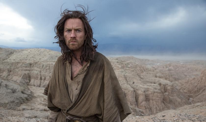 Jesus viaja sozinho pelo deserto durante 40 dias de jejum e oração. (Foto: Emmanuel Lubezki)