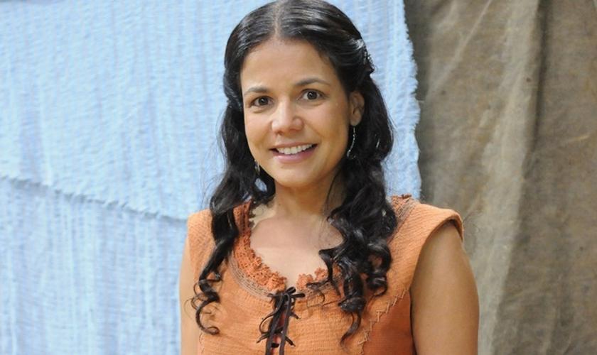 "Nívea Stelmann vive Noemi na novela bíblica ""A Terra Prometida"". (Foto: Munir Chatack/Record)"