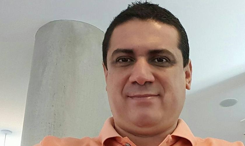O piloto paraguaio Gustavo Encina foi uma das vítimas da queda do avião.(Foto: Reprodução/Facebook)
