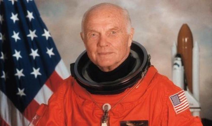 O astronauta John Glenn foi conhecido como um homem de profunda fé. (Foto: Reprodução)