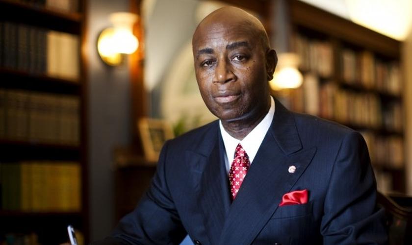 Barry C. Black é o líder espiritual de algumas das pessoas mais poderosas da América. (Foto: Reprodução)