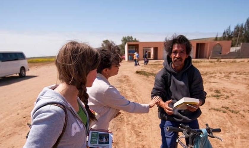 Comunidades do México estão recebendo a Bíblia pela primeira vez. (Foto: Show The Story)