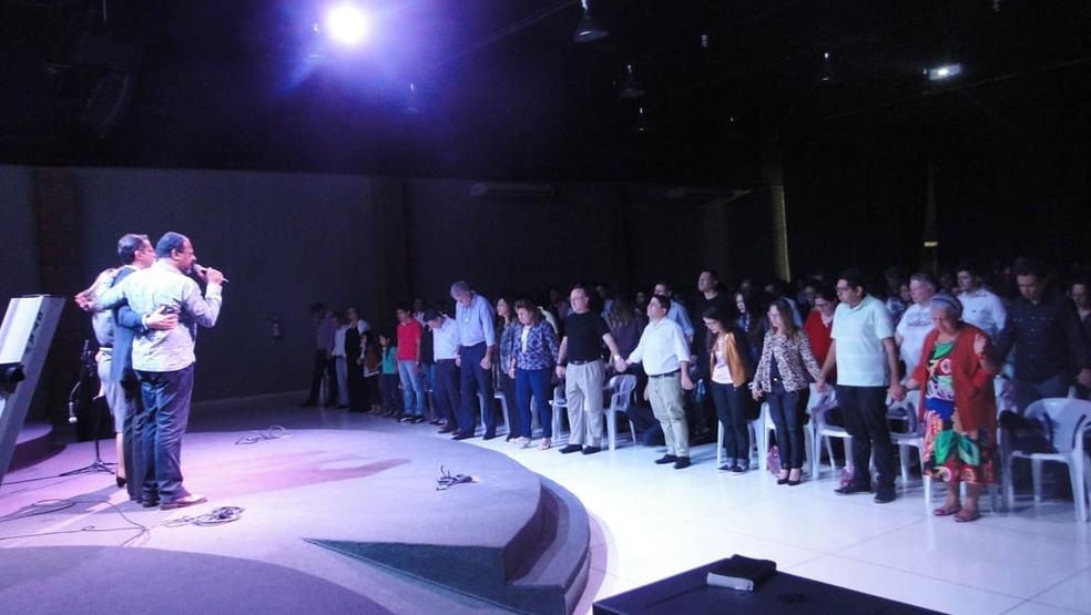 Adhemar de Campos em adoração