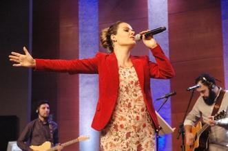 Ana Paula Valadão com Diante do Trono no Café de Pastores.